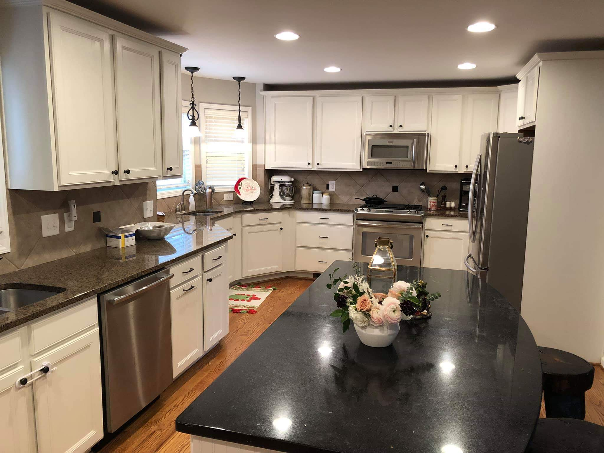 For kitchen cabinet painting Woodstock GA homeowners call the pros at Residential Property Preservation.